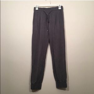 NEVER WORN joggers